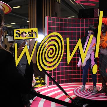 Le Selfie Ultimate & le Digital Mirror sur le stand Orange Sosh